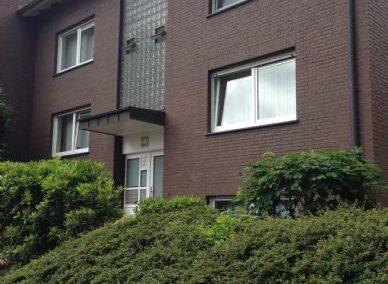 2 Zi- Whg. mit EBK, in einem sehr gepflegten & ruhigen Mehrfamilienhaus